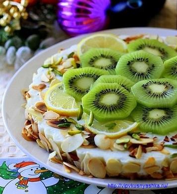 Легкий торт с сочными киви