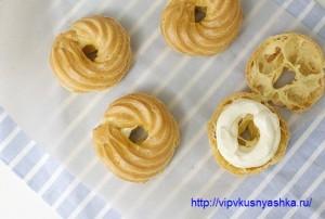 Как испечь пирожные заварные кольца с творожным кремом