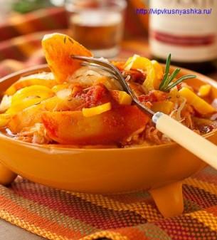 Блюдо из картошки - картофельный гуляш с квашеной капустой