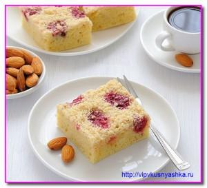 Вкусный пирог с вишней и миндалем
