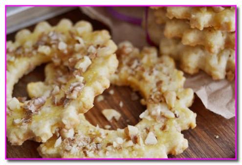 Печенье из песочного теста - кольца с орехами