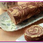 Мраморный рулет с шоколадно-банановым кремом