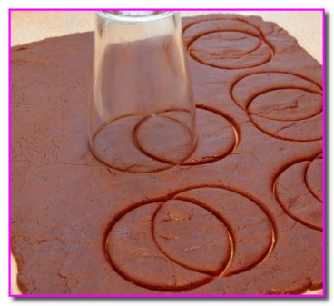 вырезаем печеньки